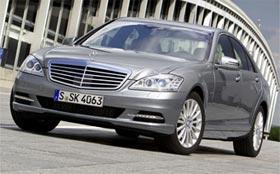 Mercedes-Benz S-Class будет предупреждать о выезде на встречку
